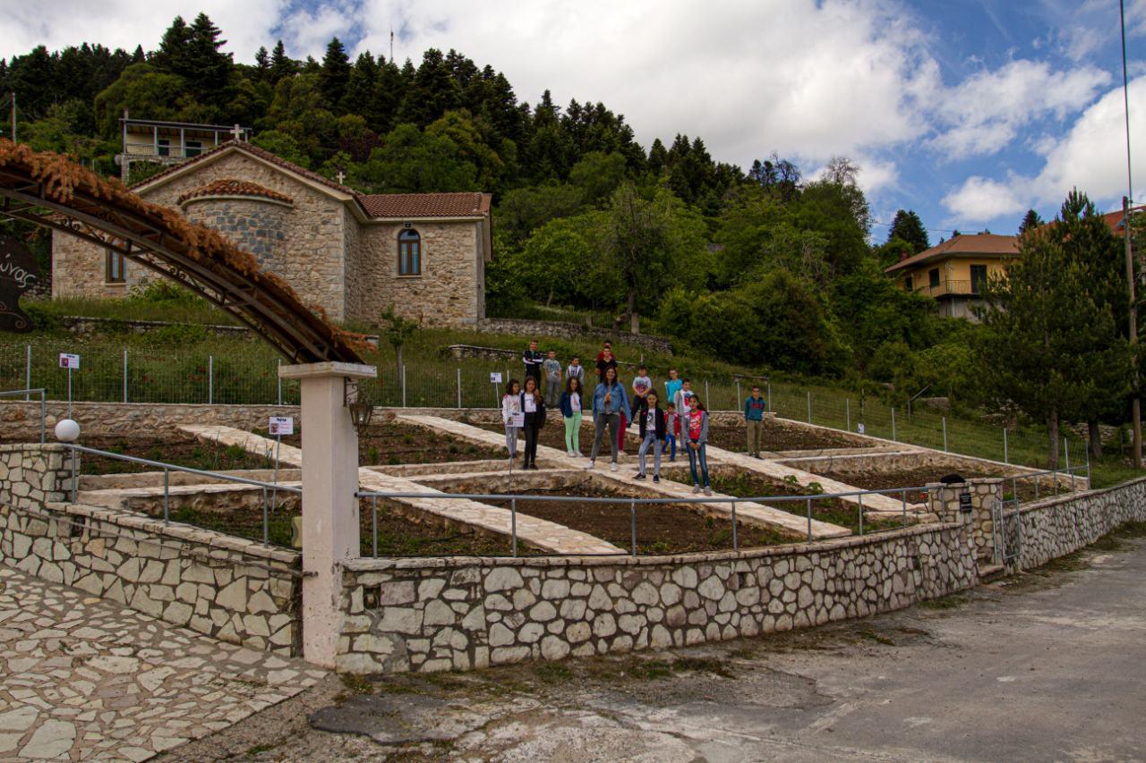 Ο Κήπος του Ιπποκράτη αναβιώνει από τα χέρια των παιδιών στο Βαλτεσινίκο Γορτυνίας